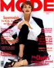 ModeAU199308-09_phStevenMeisel_LindaEvangelista